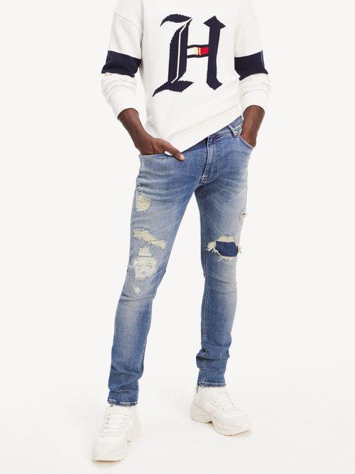 Jeans-desgastados-Lewis-Hamilton
