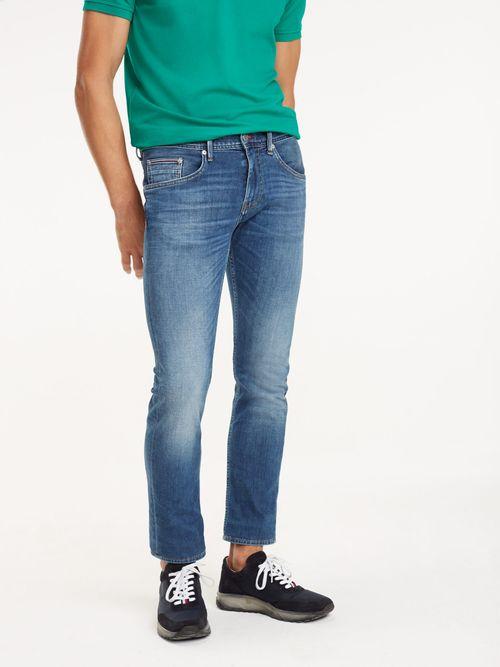 Jeans-desteñidos-Tommy-Hilfiger