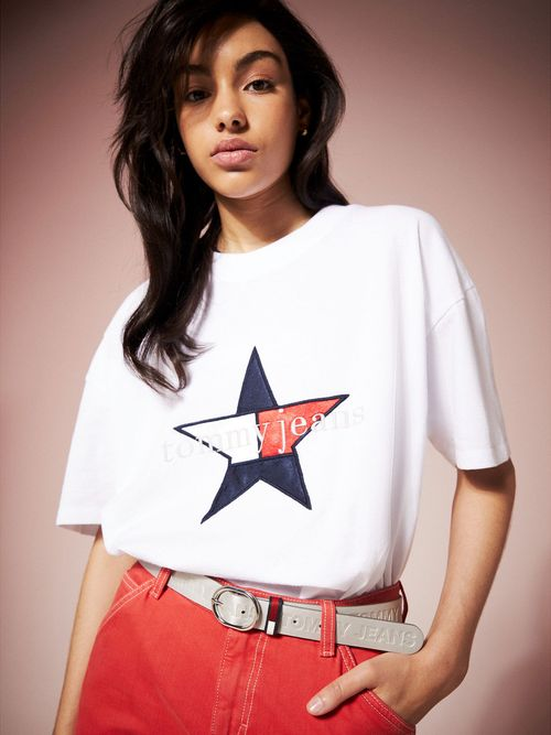 Playera-Tommy-Jeans-Summer-Heritage---tienda-en-linea-Tommy-Hilfiger-Mexico