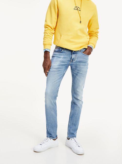 Jeans-superajustados-Tommy-Hilfiger