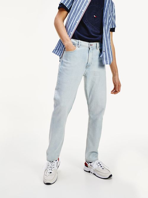 Jeans-de-corte-conico-Tommy-Hilfiger