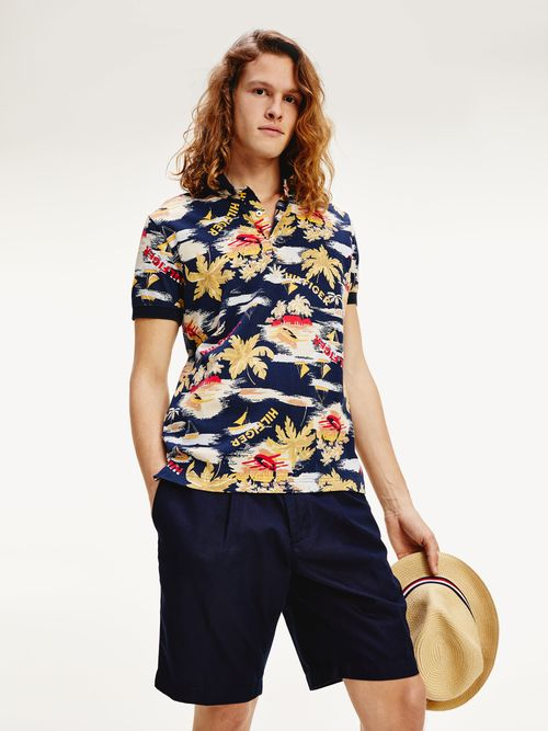 Polo-con-estampado-tropical-de-corte-regular-Tommy-Hilfiger