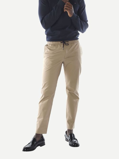 Pantalon-TH-Flex-de-corte-conico-Tommy-Hilfiger