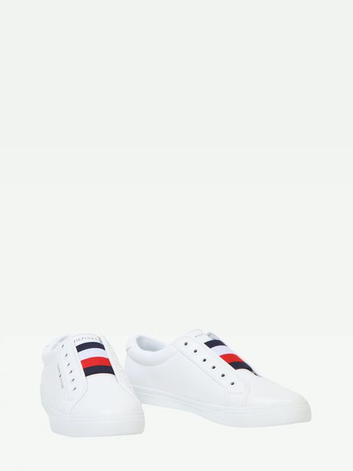 TENIS-SLIP-ON-COLOR-BLANCO-LINEAS-Tommy-Hilfiger