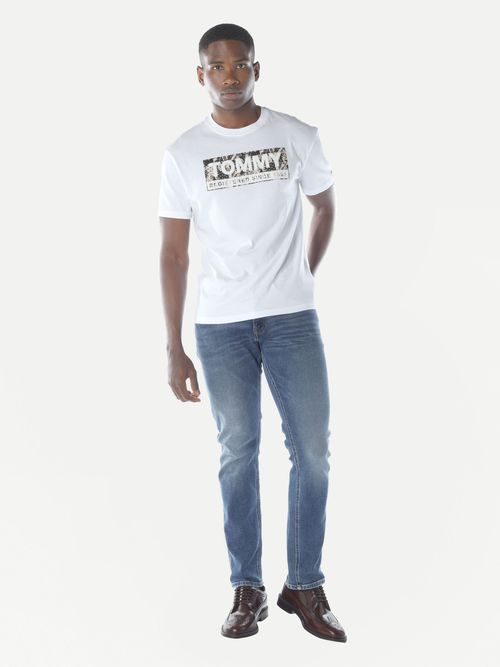 PLAYERA-COLOR-BLANCO-ESTAMPADA-Tommy-Hilfiger