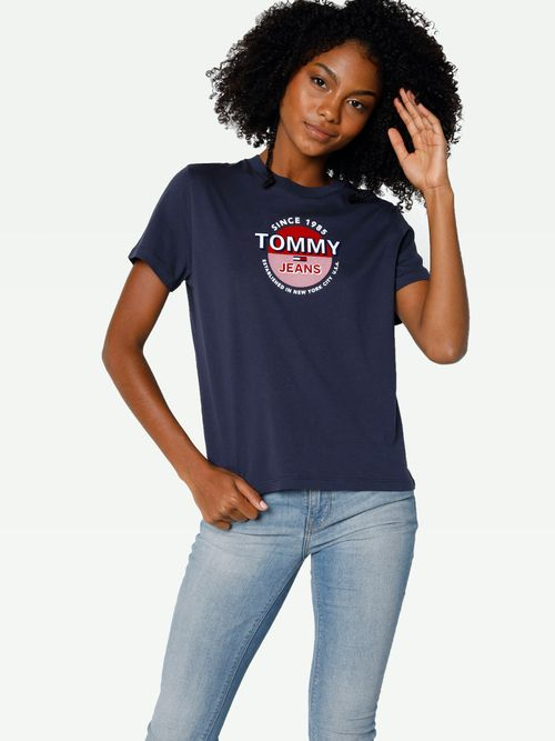 PLAYERA-COLOR-AZUL-MARINO-TOMMY-JEANS-Tommy-Hilfiger