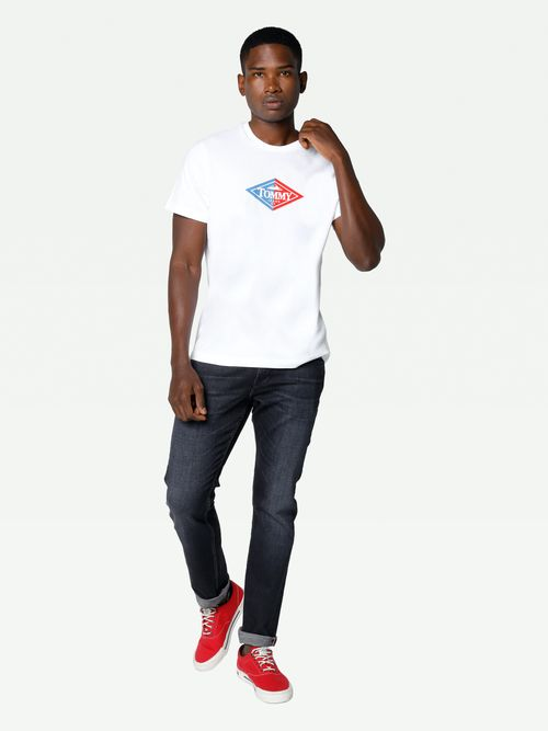 PLAYERA-COLOR-BLANCO-ESTAMPADO-RELIEVE-Tommy-Hilfiger