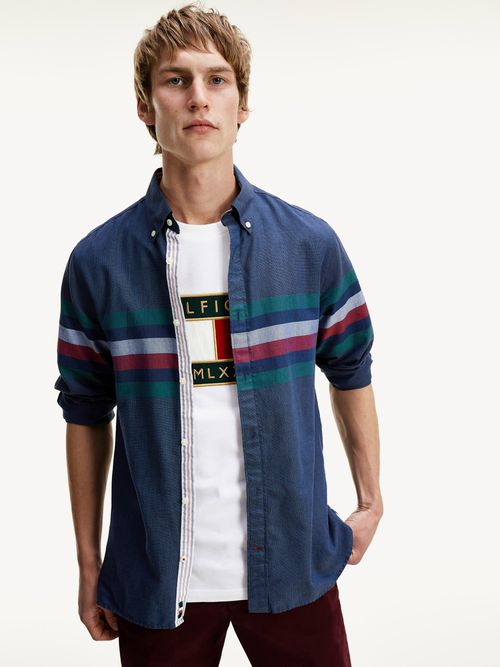 Camisa-Tommy-Icons-con-diseño-de-rayas-Tommy-Hilfiger