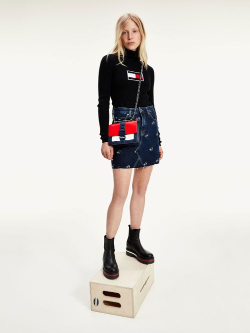 Minifalda-de-mezclilla-con-logo-bordado-Tommy-Hilfiger