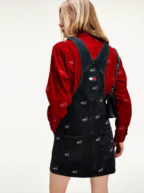 Jeans-logos-bordados-Tommy-Hilfiger