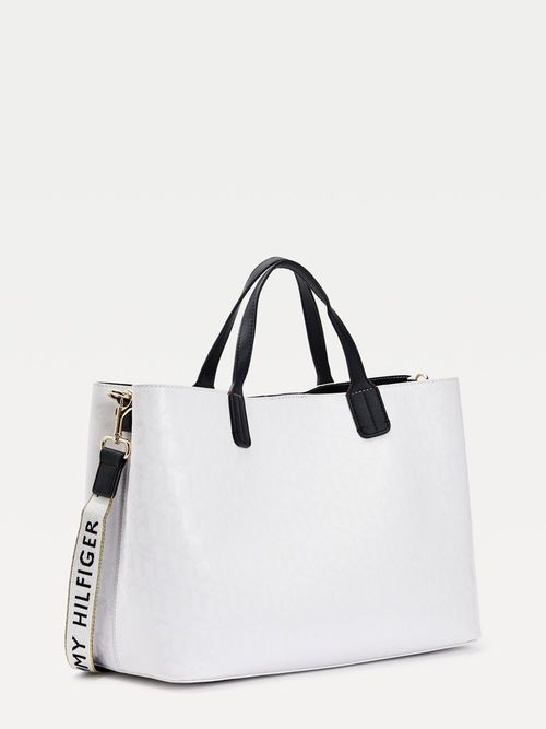 Bolso-satchel-Iconic-con-monogramas-Tommy-Hilfiger