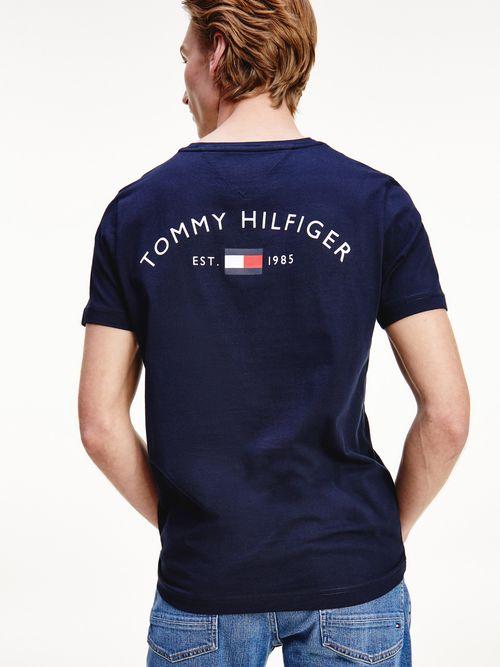 Playera-con-logo-en-la-parte-trasera-Tommy-Hilfiger