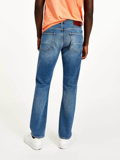 Jeans-Mercer-desteñidos-con-corte-regular-Tommy-Hilfiger