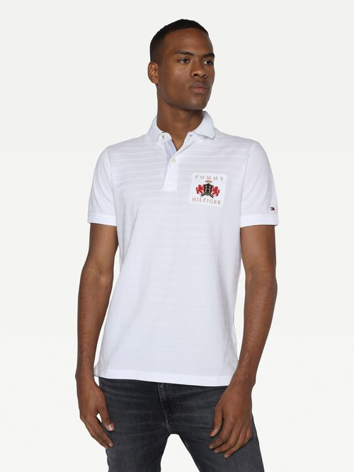 Polo-regular-con-parche-Tommy-Hilfiger