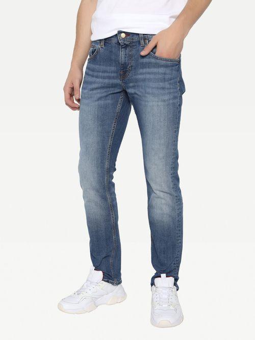 Jeans-rectos-Denton-de-mezclilla-semiobscuraTommy-Hilfiger