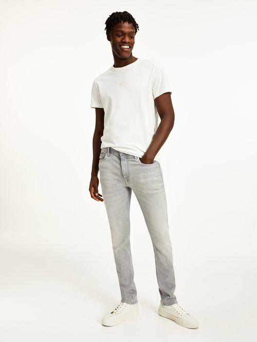 Jeans-superajustados-con-efecto-desteñido-Tommy-Hilfiger