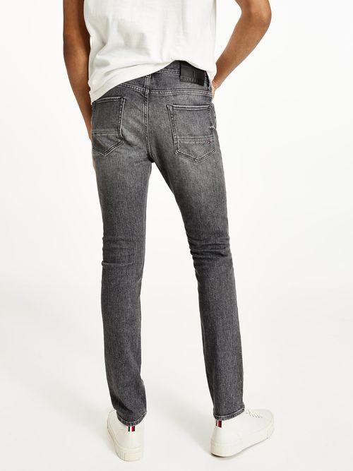 Jeans-ajustados-y-desteñidos-Tommy-Hilfiger