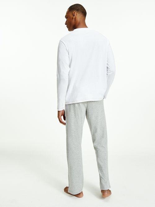 Pijama-de-algodon-organico-con-Playera-con-logo-Tommy-Hilfiger