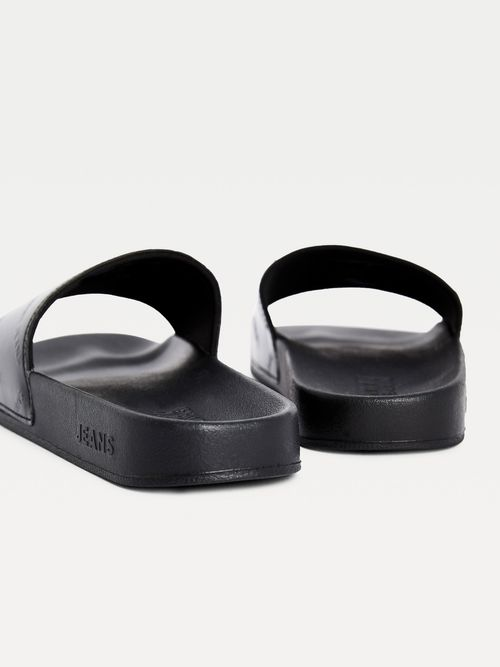 Sandalias-acharoladas-con-logos-en-relieve-Tommy-Hilfiger