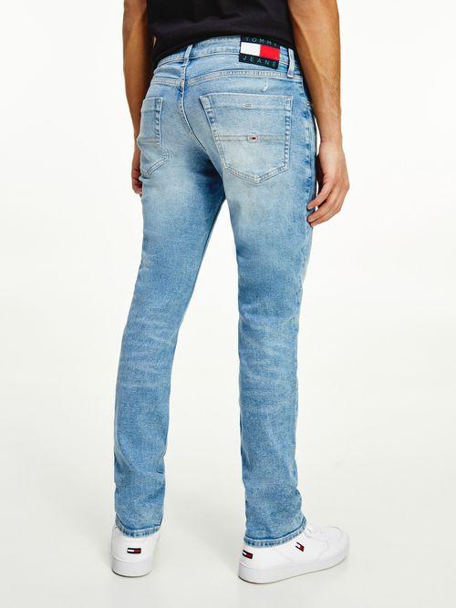 Jeans-Scanton-de-corte-Slim-de-algodon-reciclado-con-efecto-desgastado-Tommy-Hilfiger