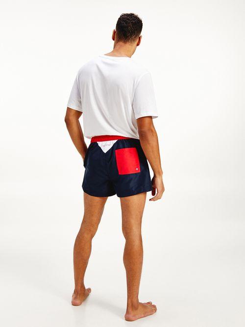 Traje-de-baño-corto-con-diseño-color-block-Tommy-Hilfiger