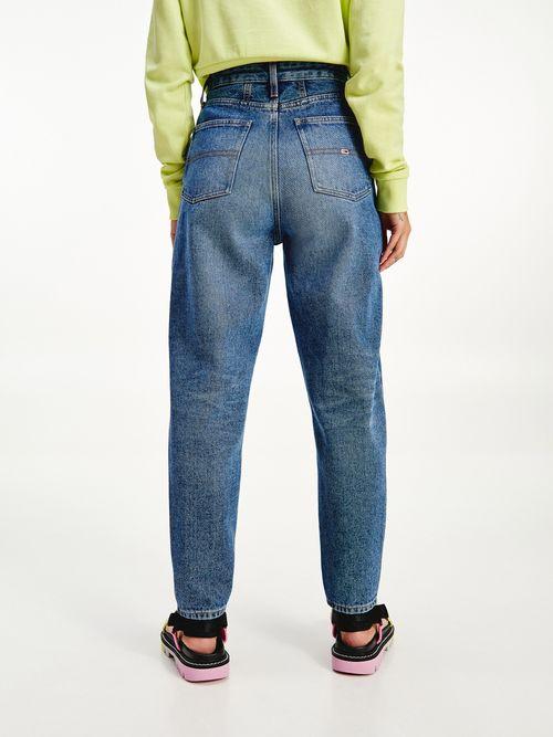 Jeans-mom-de-corte-conico-y-talle-superalto-Tommy-Hilfiger