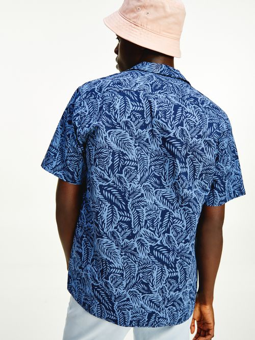 Camisa-de-manga-corta-con-estampado-tropical-Tommy-Hilfiger