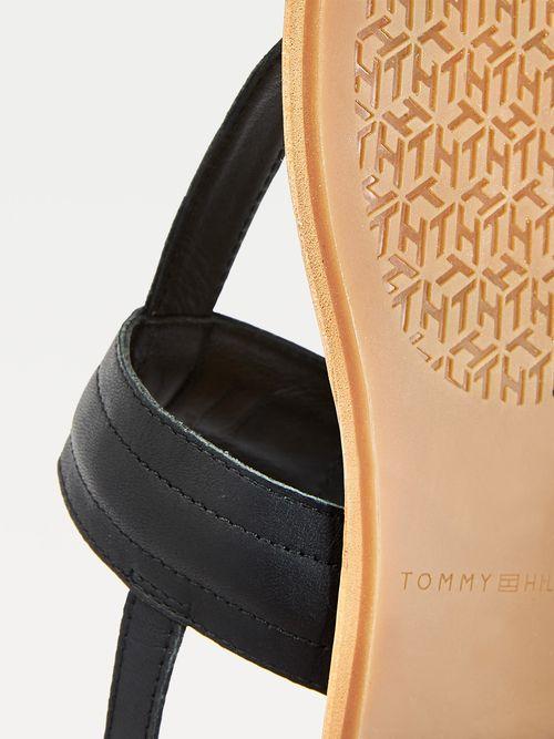 Sandalias-planas-de-piel-con-monograma-Tommy-Hilfiger