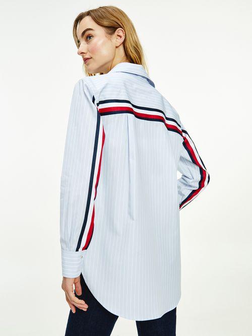 Camisa-de-popelin-con-cinta-distintiva-Tommy-Hilfiger