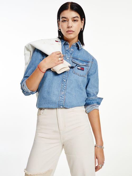 Camisa-de-mezclilla-amplia-con-parche-de-Tommy-Tommy-Hilfiger