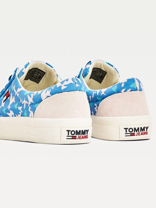 Tenis-deportivos-con-estampado-floral-Tommy-Hilfiger