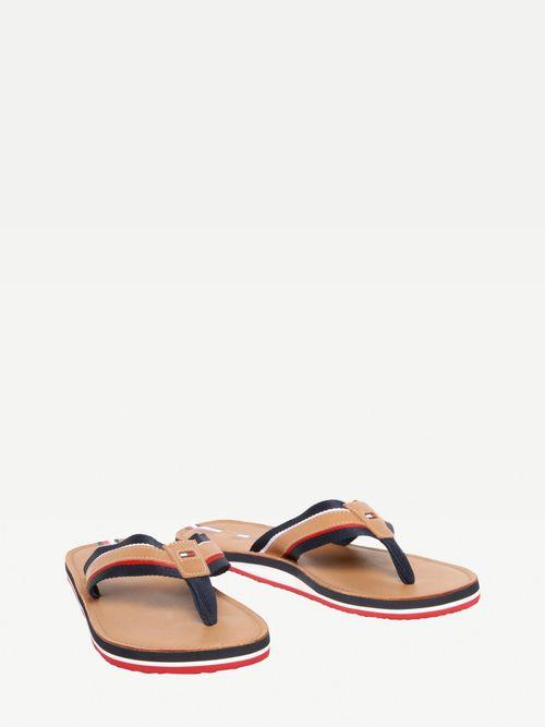 Sandalias-de-piel-con-logo-en-bajo-relieve-Tommy-Hilfiger