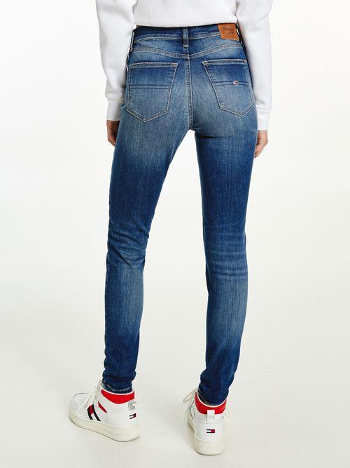 Jeans-Nora-ceñidos-y-desteñidos-de-talle-medio-Tommy-Hilfiger